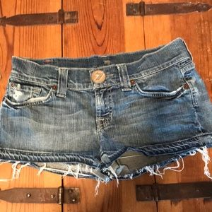 7 for all mankind shorts.